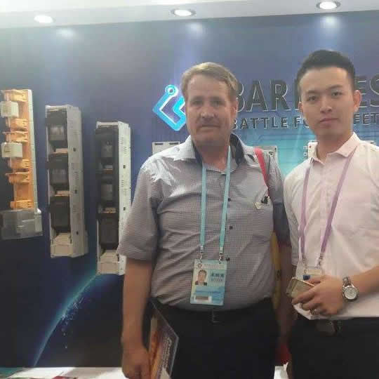 Barfuses have attended the 120th canton fair in Guangzhou